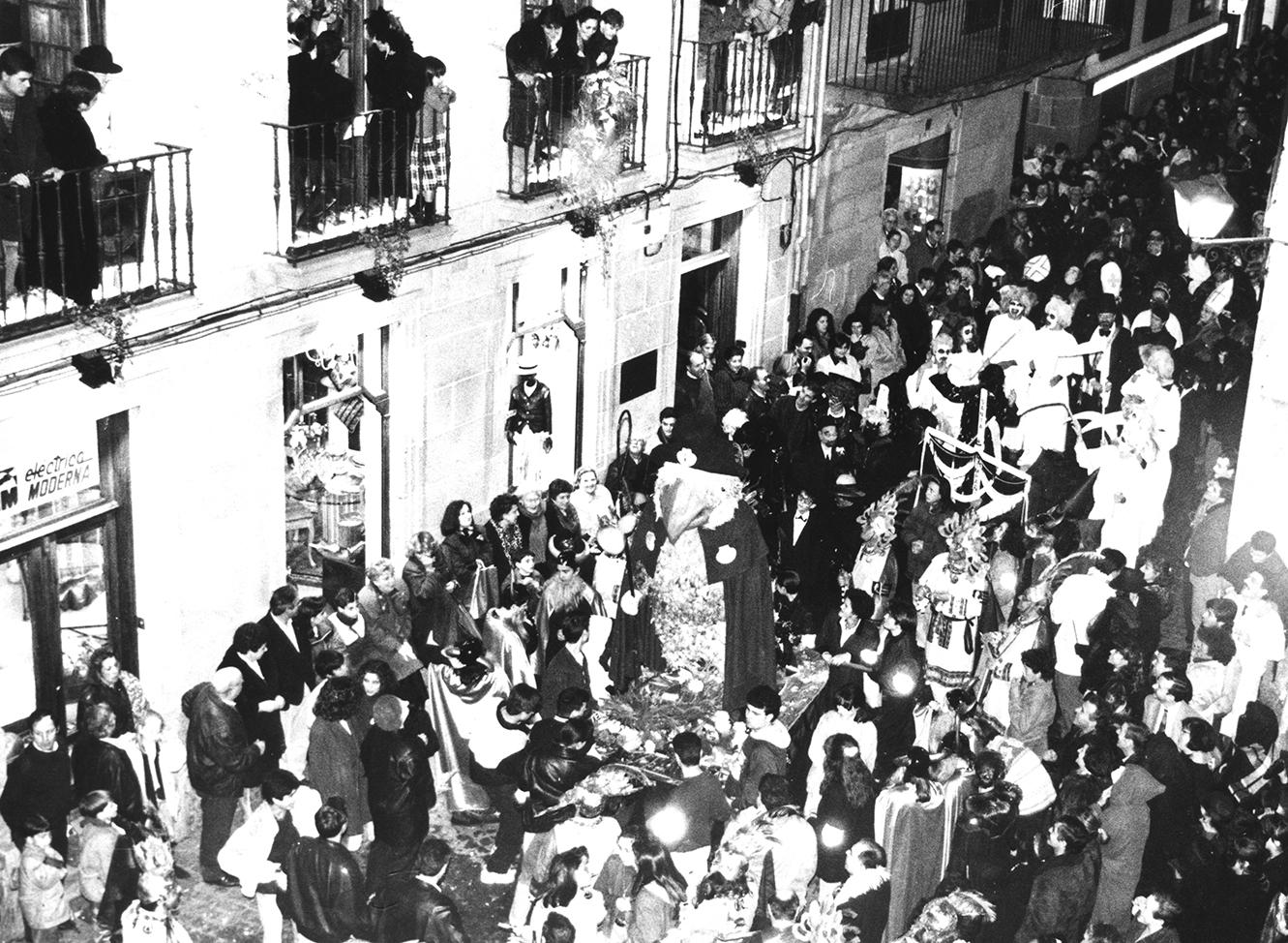 06. ENTERRO RAVACHOL 1993. DIARIO DE PONTEVEDRA. RAFA VAZQUEZ