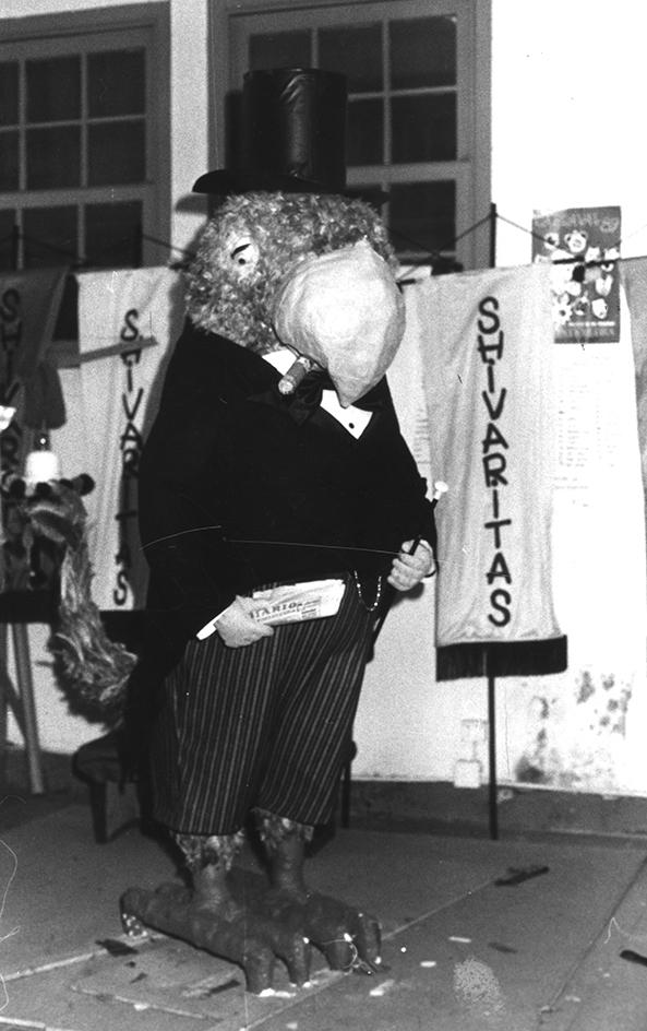 10.- RAVACHOL, 1989. DIARIO DE PONTEVEDRA, RAFA VÁZQUEZ