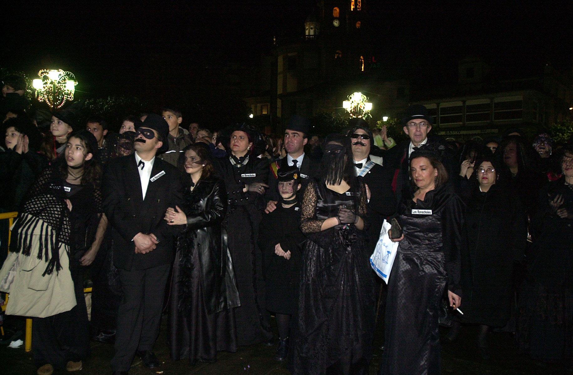 13. ENTERRO RAVACHOL 2003. DIARIO DE PONTEVEDRA. RAFA FARINA