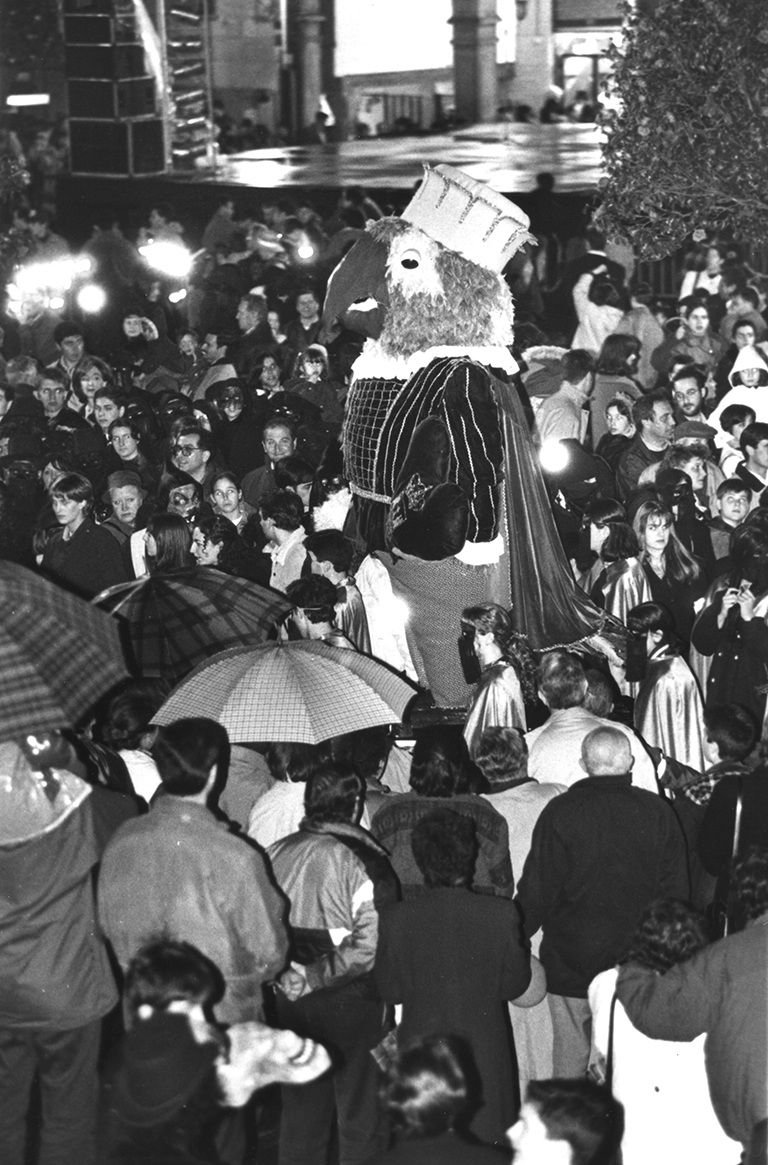 16. ENTERRO RAVACHOL 1997. DIARIO DE PONTEVEDRA. MIGUEL VIDAL