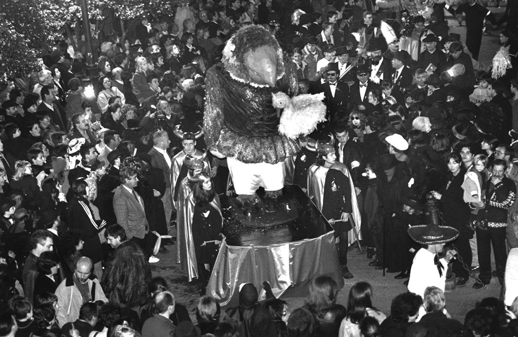 17. ENTERRO RAVACHOL 1998. DIARIO DE PONTEVEDRA. MIGUEL VIDAL