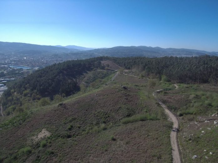 A TOMBA FOTO DRONE