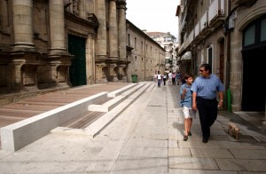 20110908020935_rua_sarmiento-escalinatra-igrexa-foto-rafa-copia